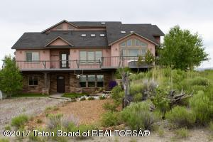 8 S POINT LN, Pinedale, WY 82941