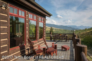 8995 DITCH CREEK RD, Kelly, WY 83011