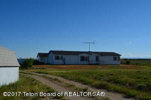 12 CHIZZLER RD, Big Piney, WY 83113