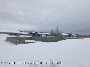 242 HOLLY DR, Star Valley Ranch, WY 83127