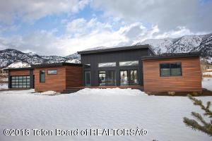 757 ALPINE VILLAGE LOOP, Alpine, WY 83128