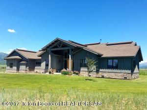 846 ROYAL LOOP, Etna, WY 83118