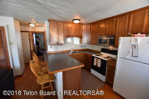 130 E KELLY AVE, Jackson, WY 83001