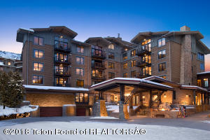 3335 W VILLAGE DR, 204, Teton Village, WY 83025