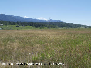 42 RIVER TRAIL DR, Alpine, WY 83128