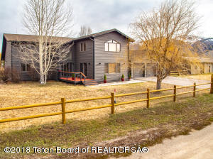 2135 S PARK RANCH RD, Jackson, WY 83001