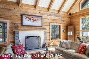 3850 S TAYLOR CRK, Wilson, WY 83014
