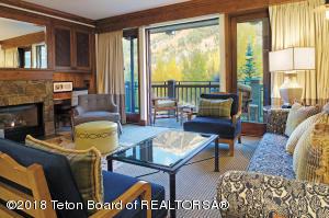 7680 GRANITE LOOP RD, 553, Teton Village, WY 83025