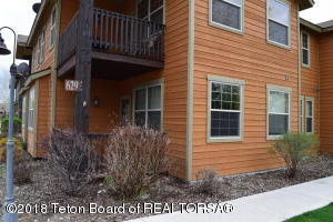 629 VALLEY CENTRE DR, 1, Driggs, ID 83422