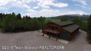 176 DELL CREEK RD, Alpine, WY 83128