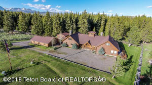 50 WIND RIVER DR, Dubois, WY 82513