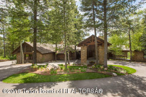 Granite Ridge Retreat, tucked away with privacy at the top of Granite Ridge in Teton Village.