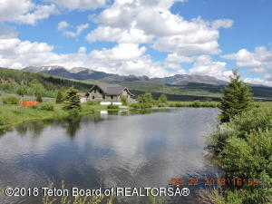 Fully Stocked Pond, Mountain Views, Borders USFS, Wildlife Galore!