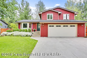 3050 MOUNTAIN VIEW LN, Jackson, WY 83002