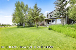 21 CARTER AVE, Cora, WY 82925