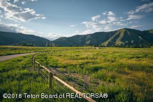 3 RIVERBEND RD, Jackson, WY 83001