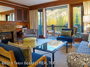 7680 GRANITE LOOP RD, 553, Teton Village, WY 83025