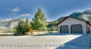 468 GREYS RIVER LOOP, Alpine, WY 83128