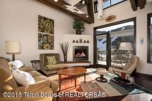 270 W PEARL AVE, 305, Jackson, WY 83001
