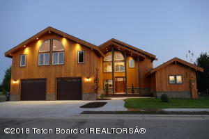 1307 CLUB HOUSE RD, Pinedale, WY 82941