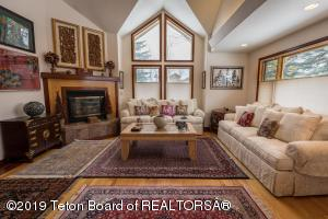 4115 S SANDY CREEK LN, Jackson, WY 83001