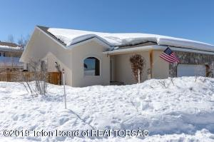208 BEAR HOLLOW CIRCLE, Thayne, WY 83127