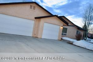 220 COUNTRY CLUB LANE, Pinedale, WY 82941