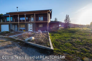1135 TAYLOR MOUNTAIN DR, Victor, ID 83455