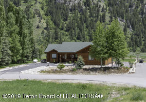 Beautiful location in Alpine bordering Forest Service land.