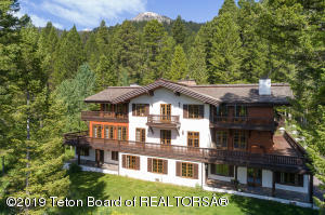 6705 SUBLETTE WOODS RD, Teton Village, WY 83025