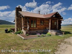 611 GREEN RIVER LAKES RD, Cora, WY 82925