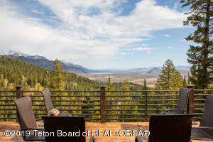 Enjoy stunning views from one of the three decks overlooking Wilson and the valley.