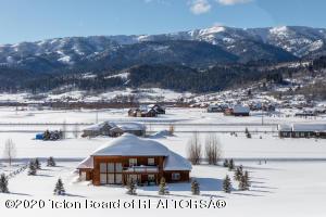 212 BUFFALO DR, Alpine, WY 83128