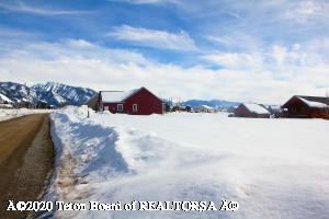 76 HOLLY DR, Star Valley Ranch, WY 83127