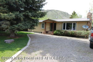 445 W KARNS AVENUE, Jackson, WY 83001