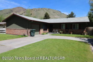 435 W KARNS AVENUE, Jackson, WY 83001