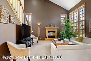 860 SENECA LN, Jackson, WY 83001