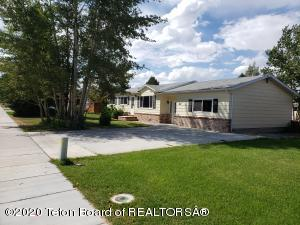 27 W RENDEZVOUS ST, Pinedale, WY 82941