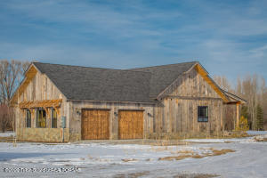6013 FOX SPRINGS DR, Victor, ID 83455