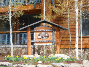 What a package!!! This Teton Club package has  2  ski weeks(one fixed and one floating)  in a 3 bedroom unit. You get ski privileges while in residence. This is a great package for the enthusiasts.