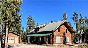 24 CROOKED CREEK RD, Dubois, WY 82513