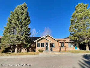 26 S TYLER AVE, Pinedale, WY 82941