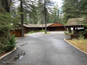 Own your on piece of Solitude!  This home has been totally remodeled down to the studs.  Beautiful setting in the trees with abundant wildlife and seasonal water.  Residents have approximately 1.2 miles of Snake River access.