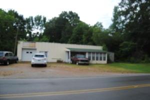 863 Central St., Plantersville, MS 38862