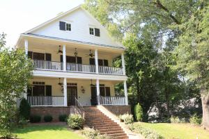 1620 Jackson Ave E, Oxford, MS 38655