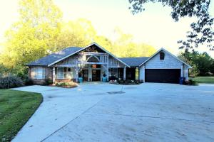 244 Deerfield Ln., Pontotoc, MS 38863