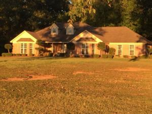 677 Kitchens Ln., Ecru, MS 38841