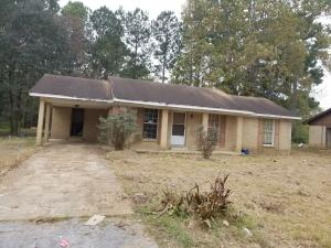 140 Shadowlane Dr, Holly Springs, MS 38635