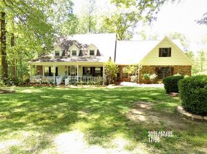 1020 Hickory Ridge Dr., New Albany, MS 38652