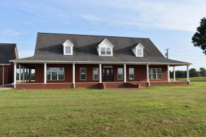 1358 Co Rd 101, New Albany, MS 38652